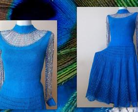 Virbalais megztas kostiumėlis ( sijonas, bliuskutė) iš B.B.B. kid mocheros siūlų  Sijono riešelyje įvertos plonos gumytės. Bliuskutės rankovės ir priekis iš dekoratyvinio siūlo