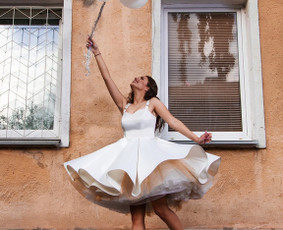 Išskirtinė 3 dalių nuotakos suknelė