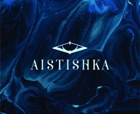"""Dėvimo meno projektas – """"Aistishka"""" Wearable art project """"Aistishka"""".Tai internetinė platforma, kurioje nuguls išskirtiniai bei unikalaus dizaino rūbai, avalynė, aksesuarai."""