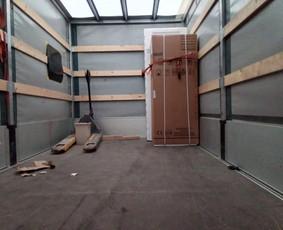 Krovinių pervežimas, perkraustymas, senų baldų išgabenimas.