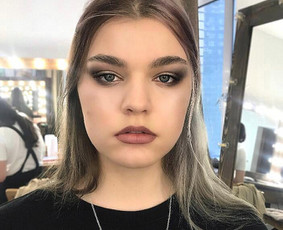 Makeup artist Dara Medvid