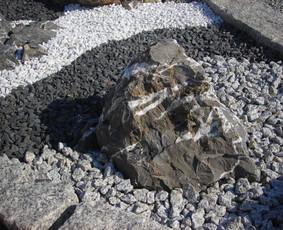 Dekoratyvinė skalda, akmenys, trinkelės Šiauliuose