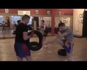 Tailandietiško bokso - MuayThai treniruotės Vilniuje.
