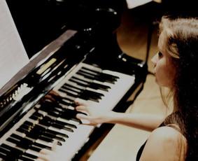Profesionali pianistė, mokytoja