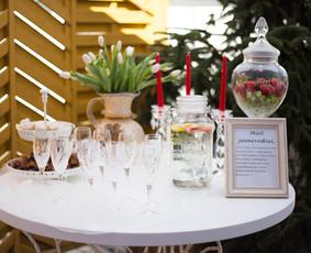Šampano staliukas Jūsų šventei! / Mantas Skirius / Darbų pavyzdys ID 261381