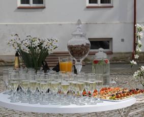 Šampano staliukas Jūsų šventei! / Mantas Skirius / Darbų pavyzdys ID 277639