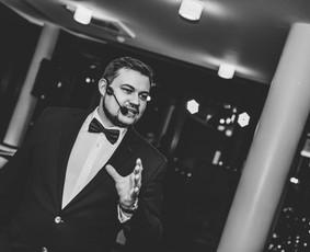 Jūsų šventės vedėjas - IGNAS BASIJOKAS ir DJ komanda