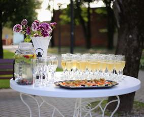 Šampano staliukas Jūsų šventei! / Mantas Skirius / Darbų pavyzdys ID 382839