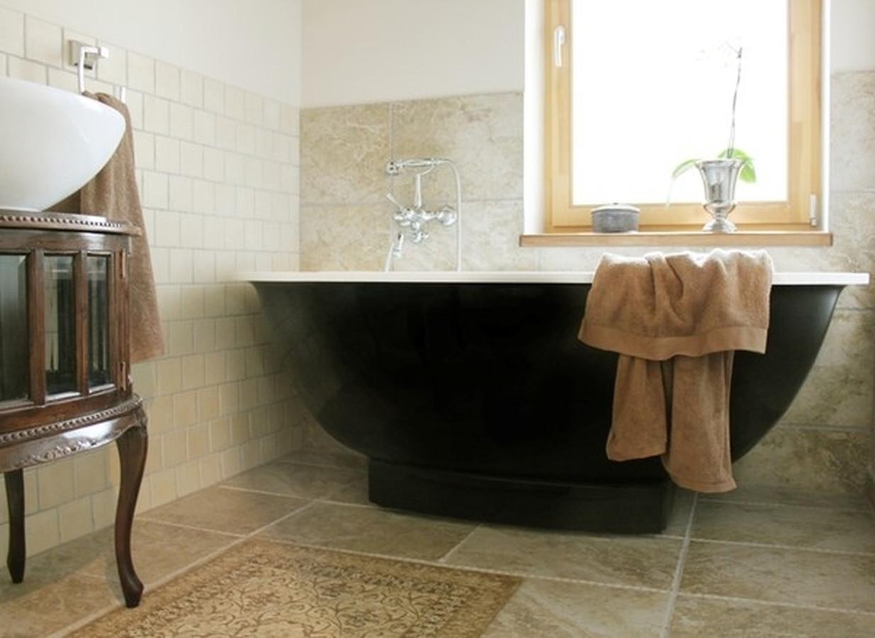 Man patinka juoda spalva, man patinka antikvariniai baldai, aš mėgstu lakonišką minimalizmą  - todėl mano interjerai yra eklektiški