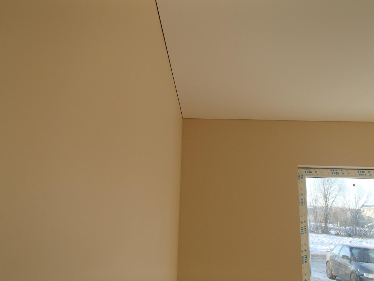 sienu glaisymas dazymas paliekant tarpeli tarp lubu ir sienu