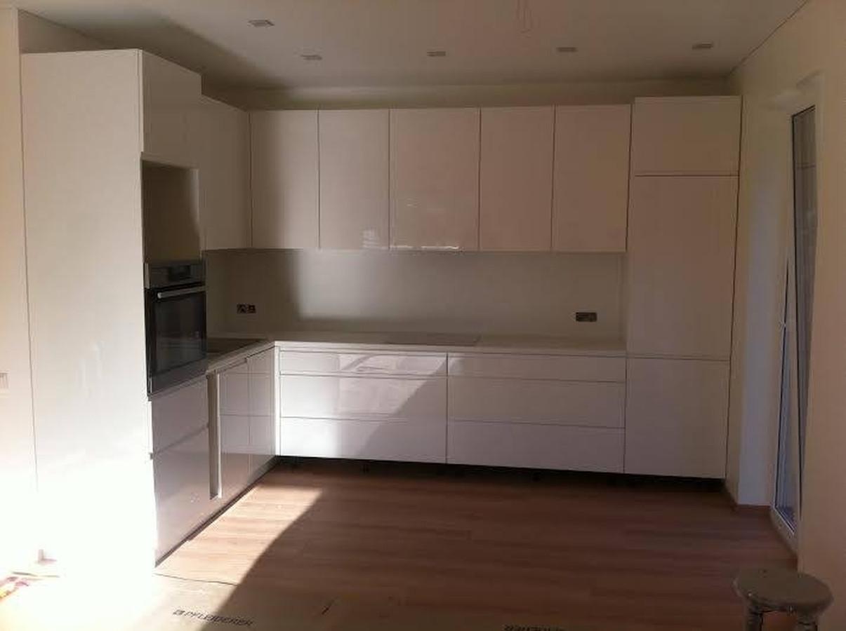 Dažyto MDF virtuvės baldai
