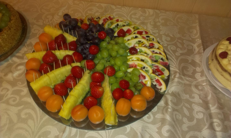 Vaisiai ir desertai