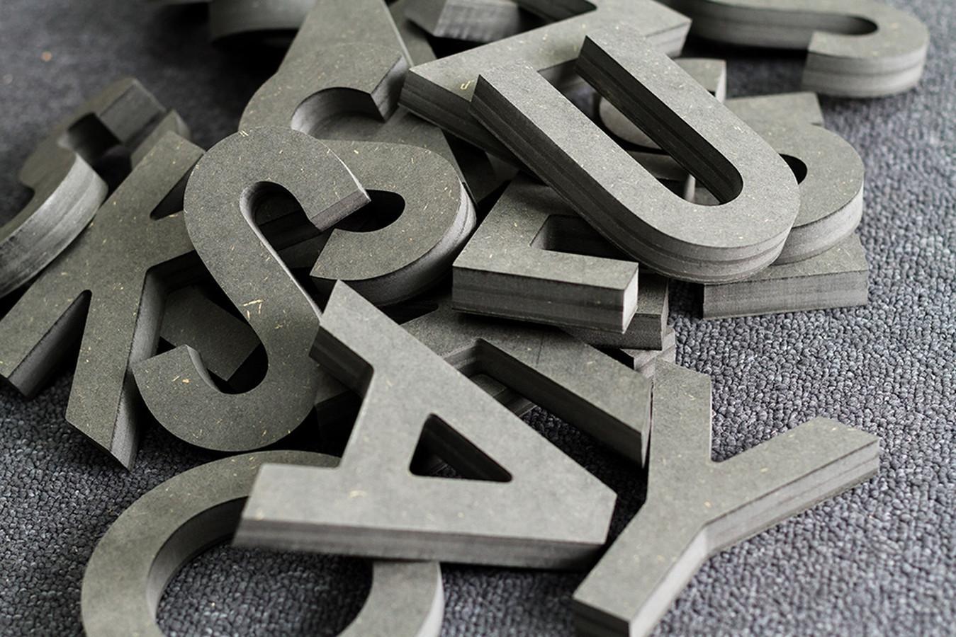 Tūrinių raidžių frezavimas