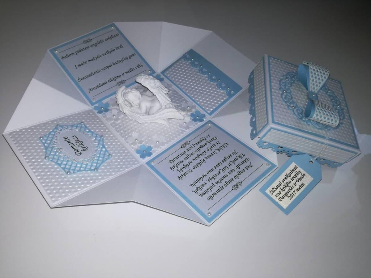 Dėžutės gali būti gaminamos ir tuščios, Jūsų smulkioms dovanėlėms, bet taip pat ir su įrašais bei dovanėlėmis.