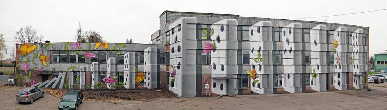 Didelių apimčių fasado piešinys kartu su studija GyvaGrafika