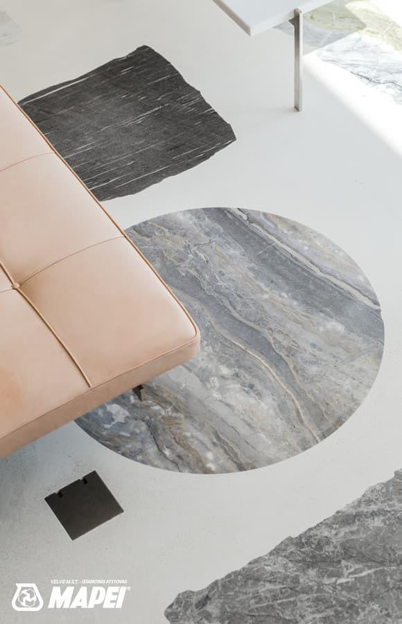 """ULTRATOP cementinė savaime išsilyginanti grindų danga. """"Terrazzo"""" efektas užpildais. Privatus objektas Lietuvoje. Interjero dizainas: DO ARCHITECTS. Nuotrauka: Norbert Tukaj."""