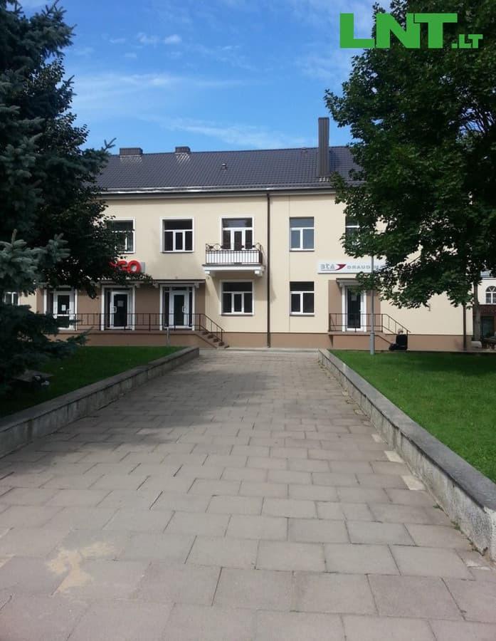 Parduodamos įrengtos biuro patalpos Kupiškio centre, L.Stuokos - Gucevičiaus a.