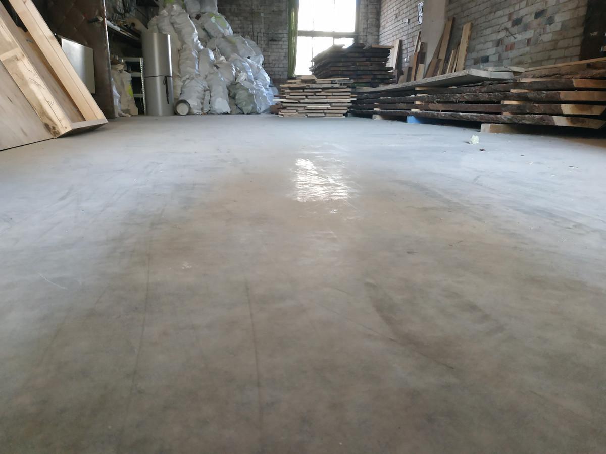 betonas po metų, medžio dulkės paslepia koks jis išsilaikęs