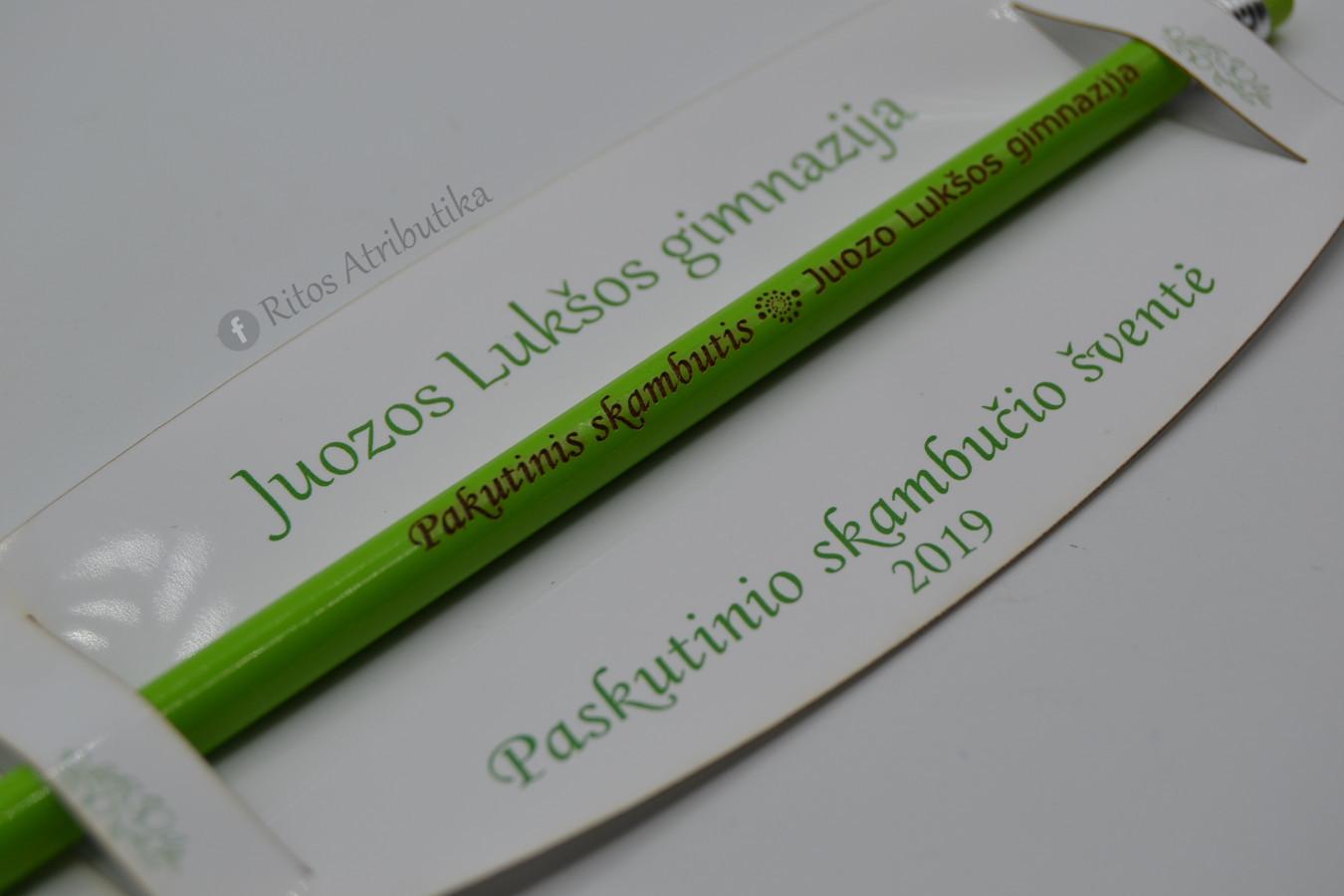 Graviruotas pieštukas skirtas mokiniams paskutinio skambučio šventei kaip dovana nuo mokyklos