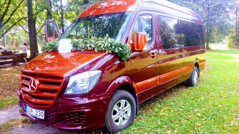 Keleivių pervežimas su vairuotoju.  Automobilių ir mikroautobusų ilgalaikė ir trumpalaikė nuoma. www.busauta.lt Turime daug automobilių ir mikroautobusų.
