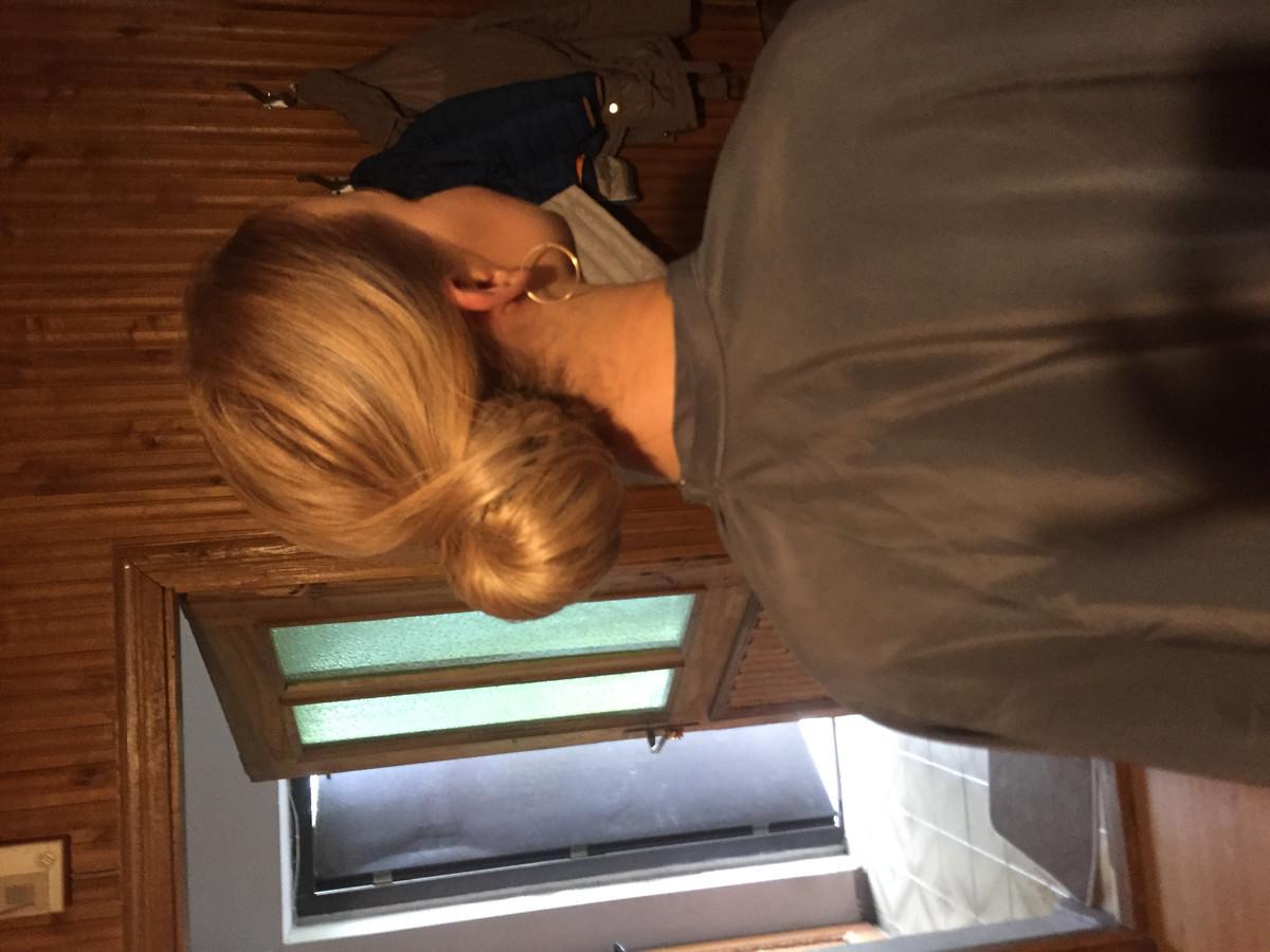 Vestuvine šukuosena