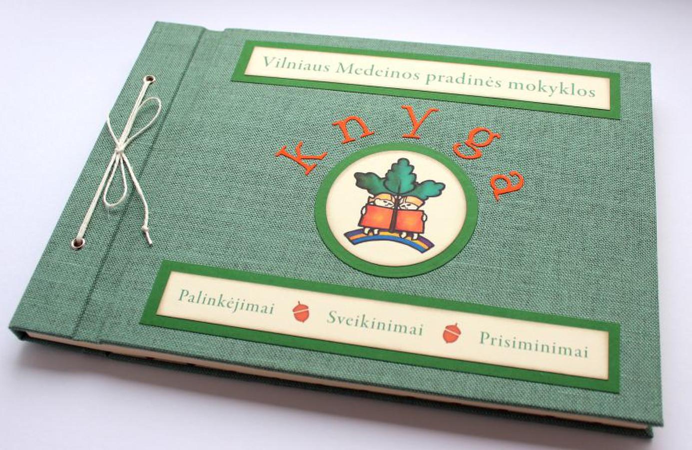 linkėjimų knyga A4 formato.