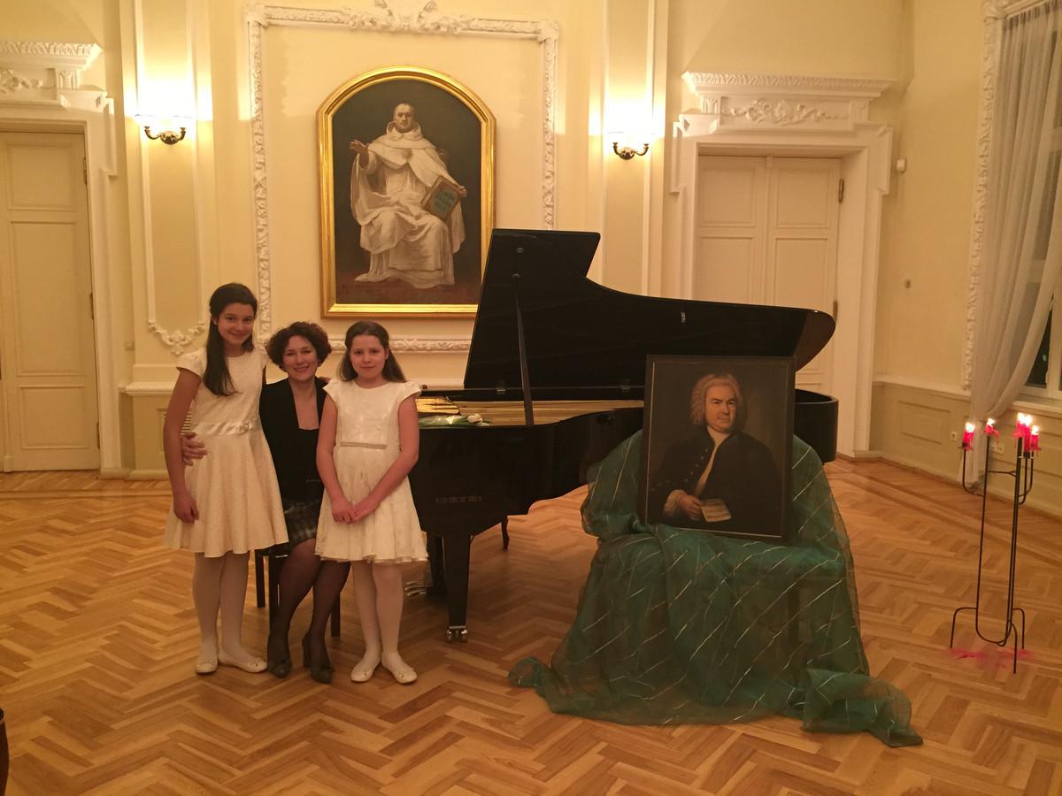 Po koncerto VDU Didžiojoje auloje ( teologijos fakulteto salė ).