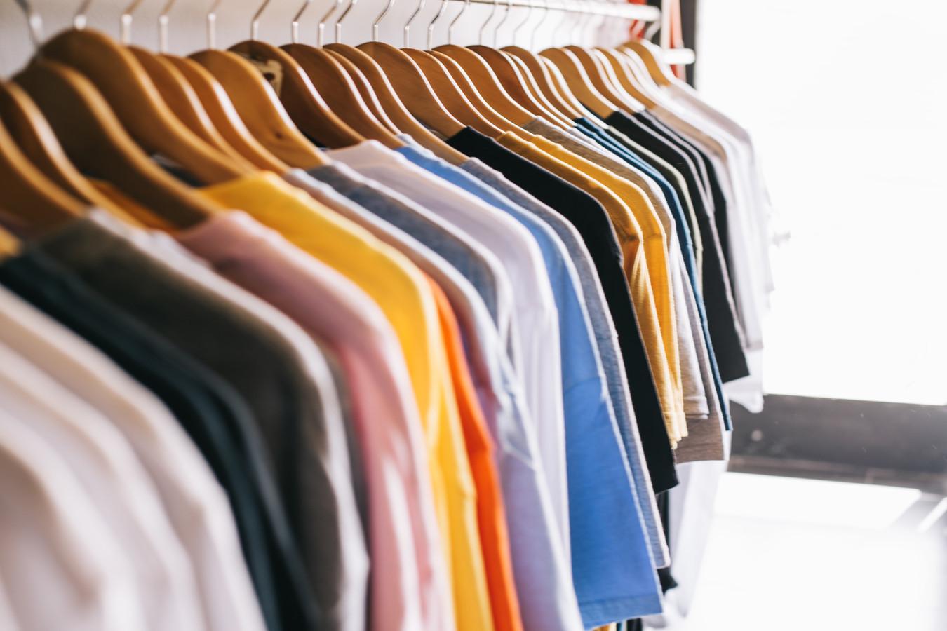 Gaminame įvairaus tipo, dydžio, spalvos marškinėlius