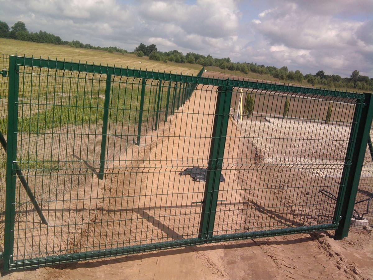 Atliekame varstomų vartų gamybą ir montavimą visoje Lietuvoje.