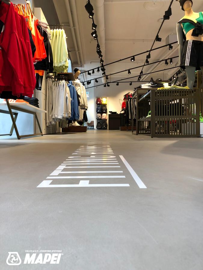 ULTRATOP dekoratyvinio betono grindų danga. Adidas parduotuvė Vilniuje. http://velvemst.lt/uploads/517_ultratop_lt_160318.pdf