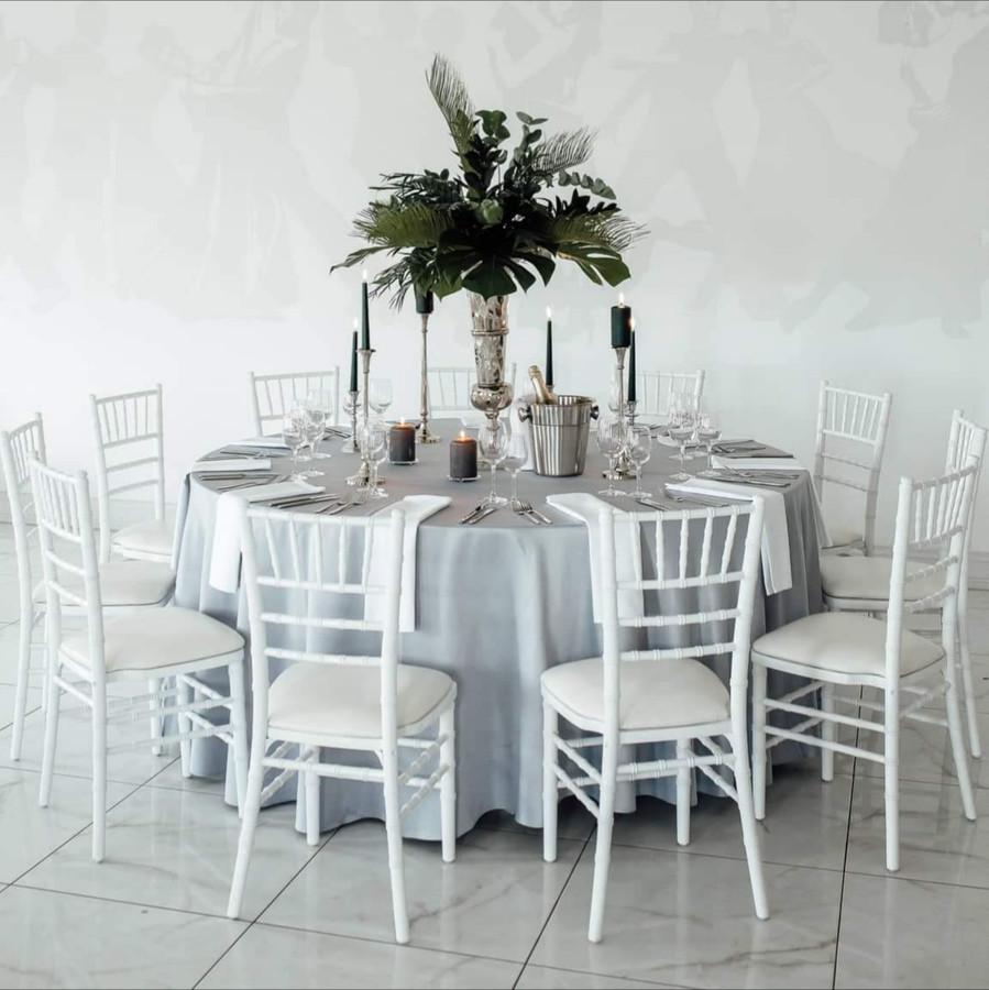 Baltų kėdžių nuoma