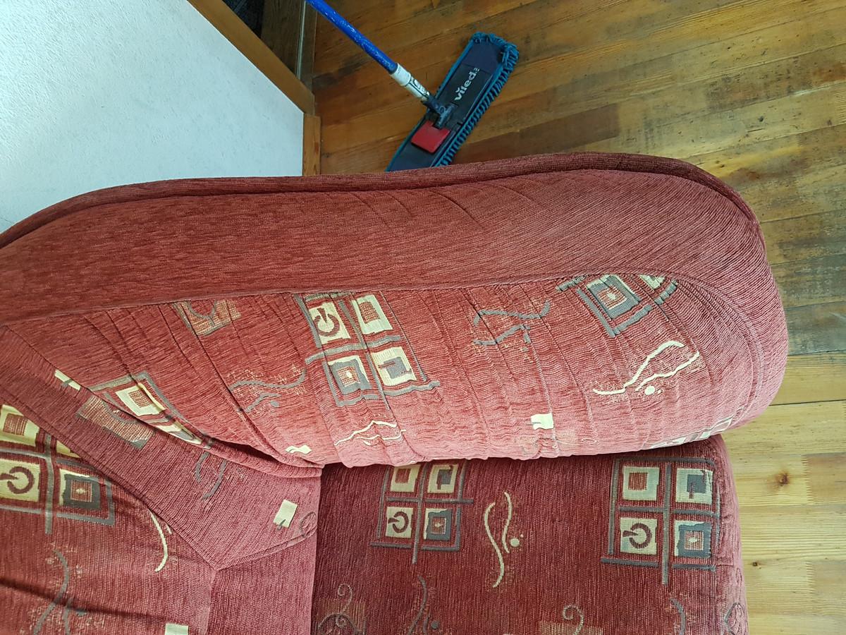 Cheminis giluminis minkštų baldų valymas