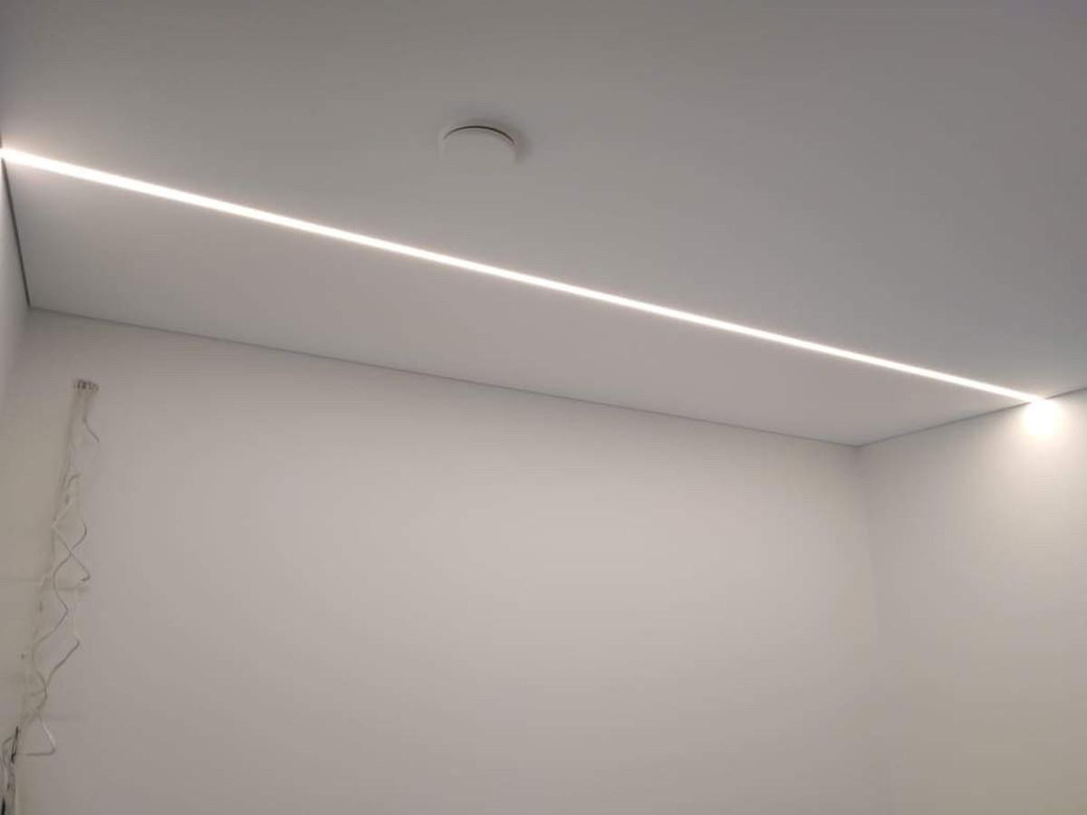 Atlikti darbai:  - GKP lubų montavimo darbai, - Led profilių montavimo darbai, - Glaistymo, dažymo darbai. Geram rezultatui gauti naudojamos tik aukštos kokybės medžiagos.