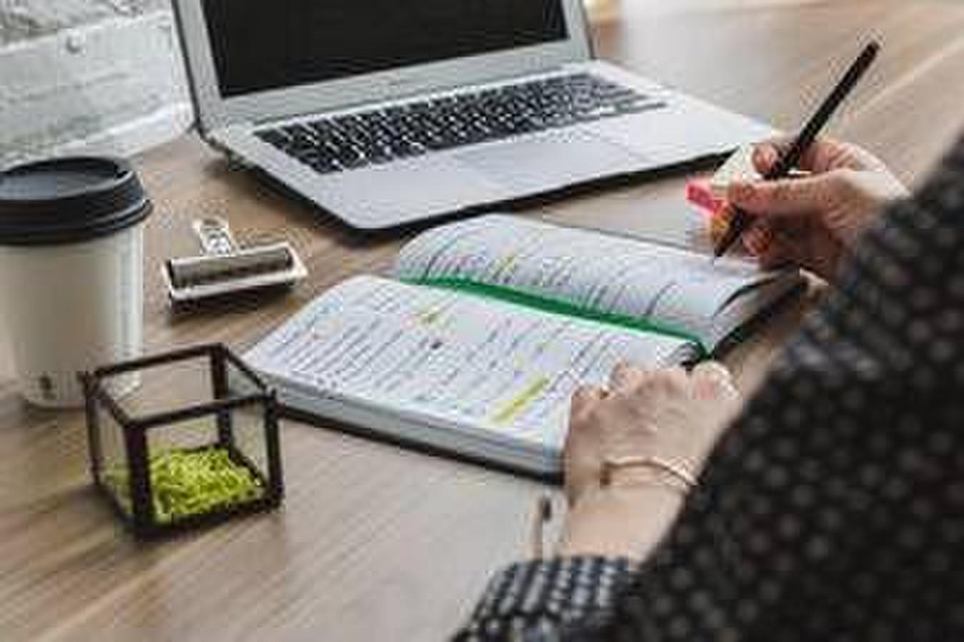 Pagalba rašant kursinį darbą: nuo temos pasirinkimo iki išvadų.