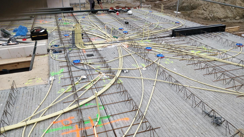el. į staliacijos darbai.  1.ETAPAS (vzdeliu tvirtinimo darbai) prieš grindų išpilimą betonu.