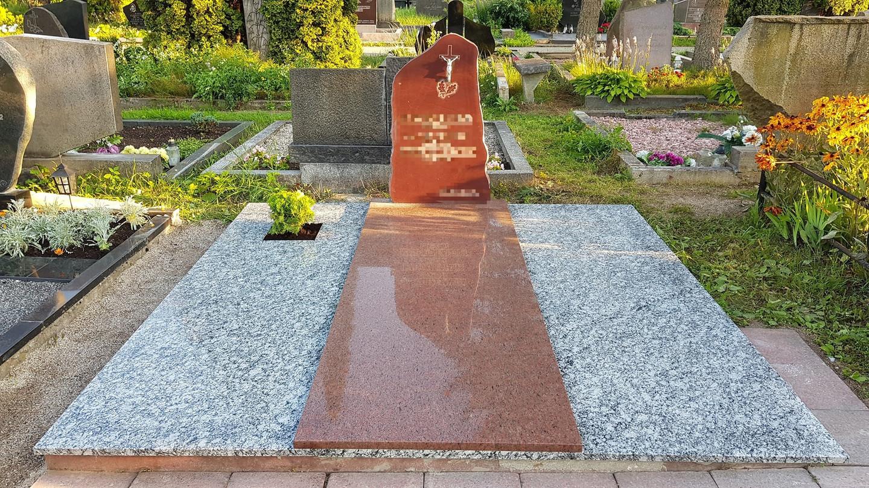 Kapavietės projekto įrengimas, paminklo bei granito plokščių montavimas.