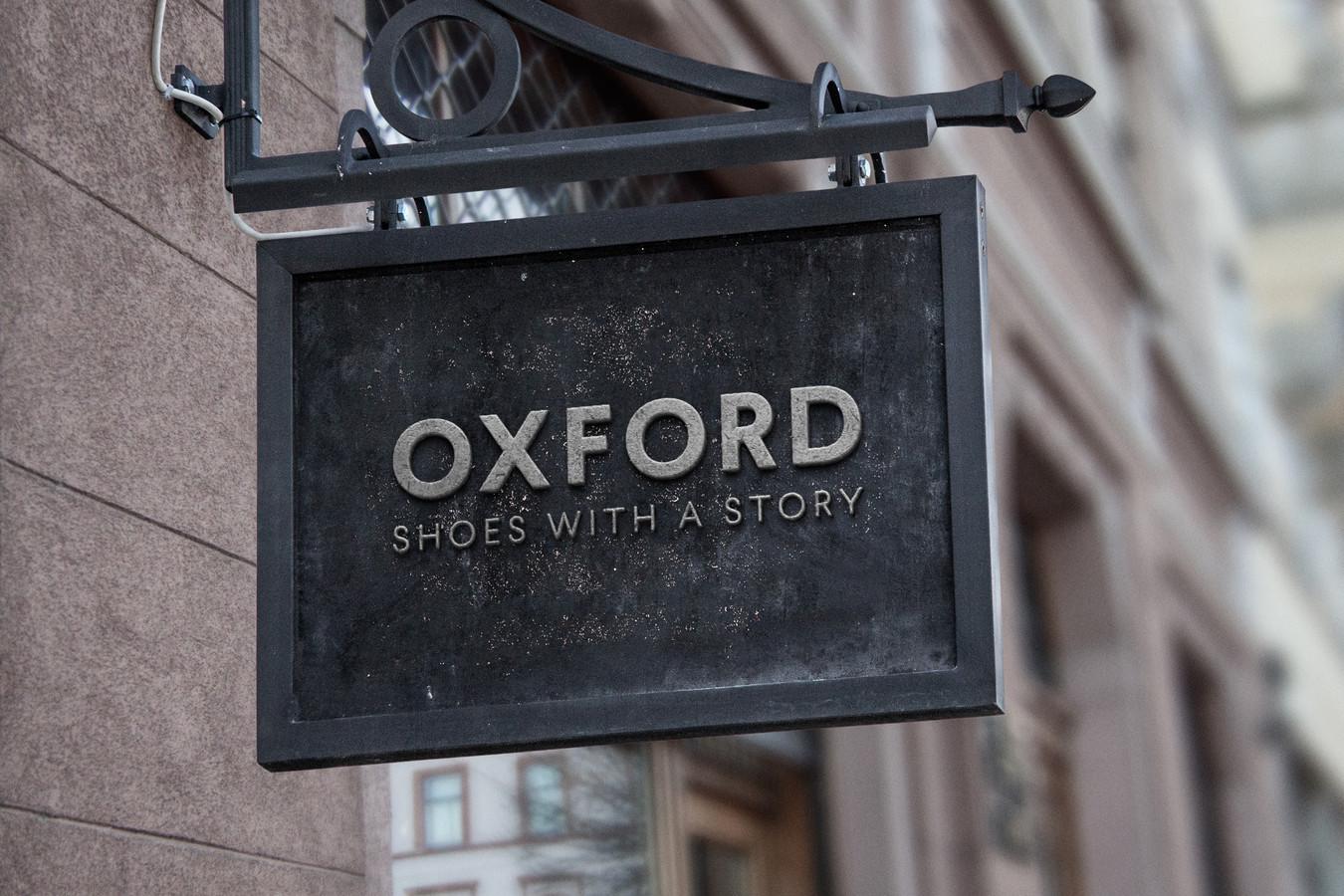 OXFORD – tai rankų darbo vyriškos avalynės namai. Pati idėja ir įkvėpimas logotipui – angliška rankų darbo avalynė. Šis ženklas patikimas, ilgaamžiškumą bei stilių vertinantis.