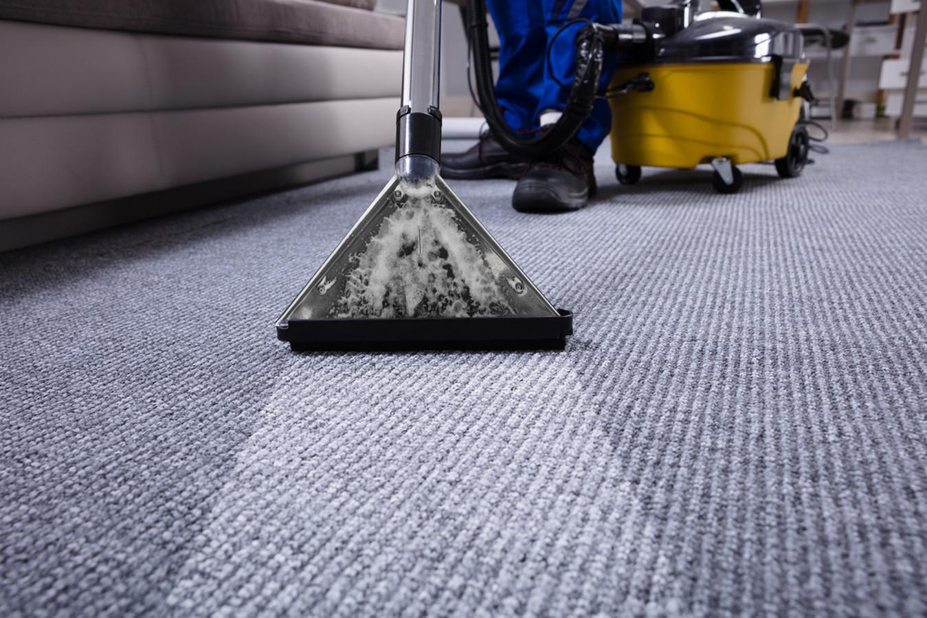 Komercinių kilimų valymas