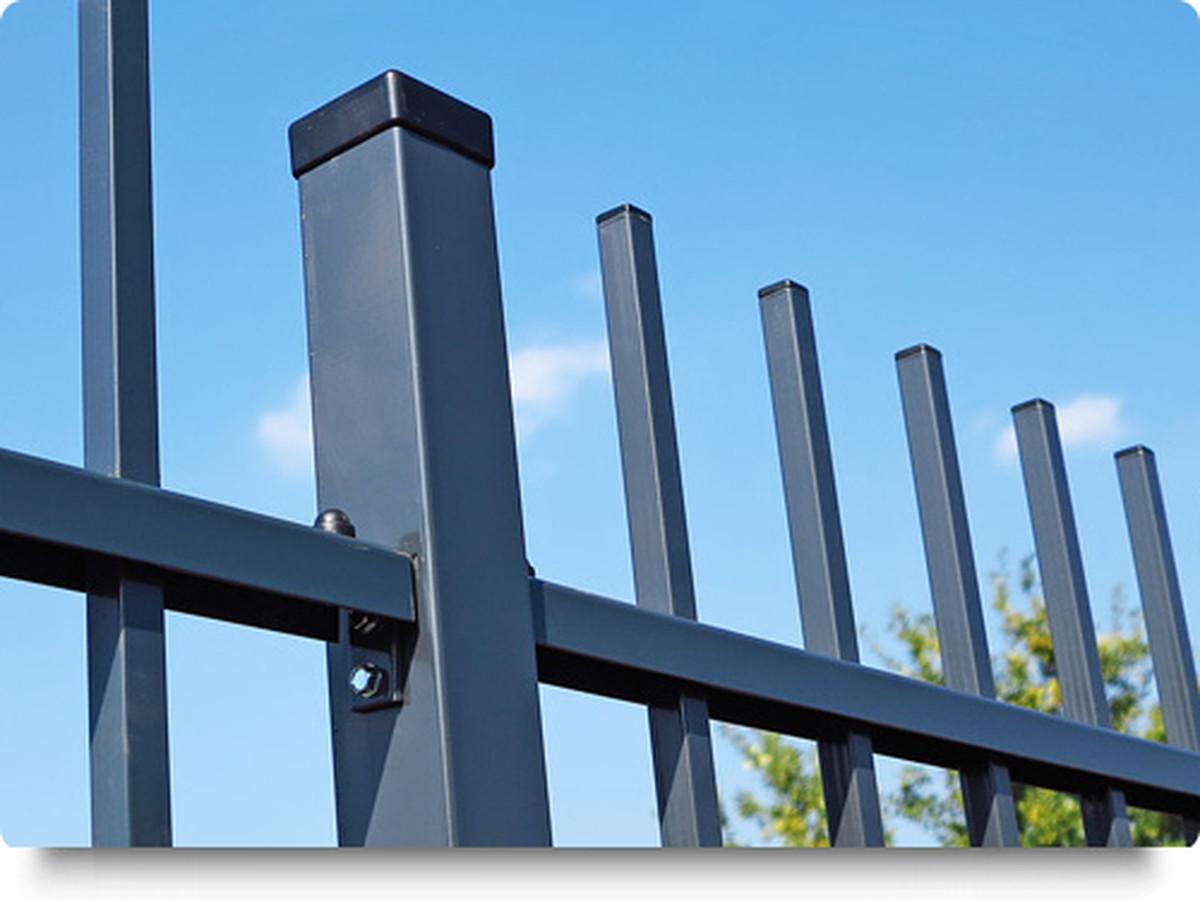 Tvoros su kalviškais elementais. Fasadinės tvoros, kurios suteiks Jūsų namams prestižinio vaizdo. Tvoras gaminame , montuojame.