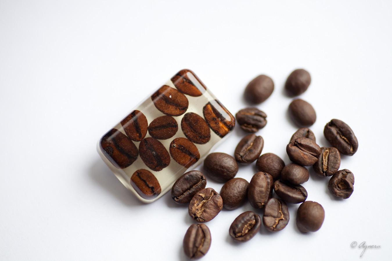 Sagė su tikromis kavos pupelėmis
