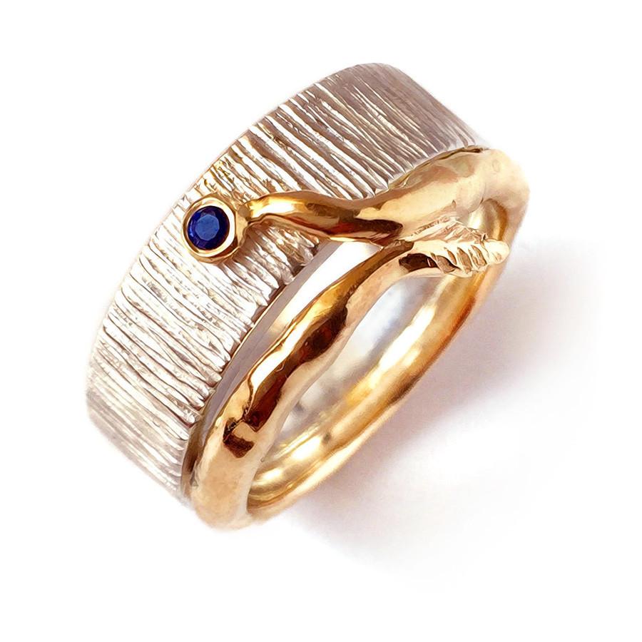 Žiedas su safyru- geltonas auksas, sidabras