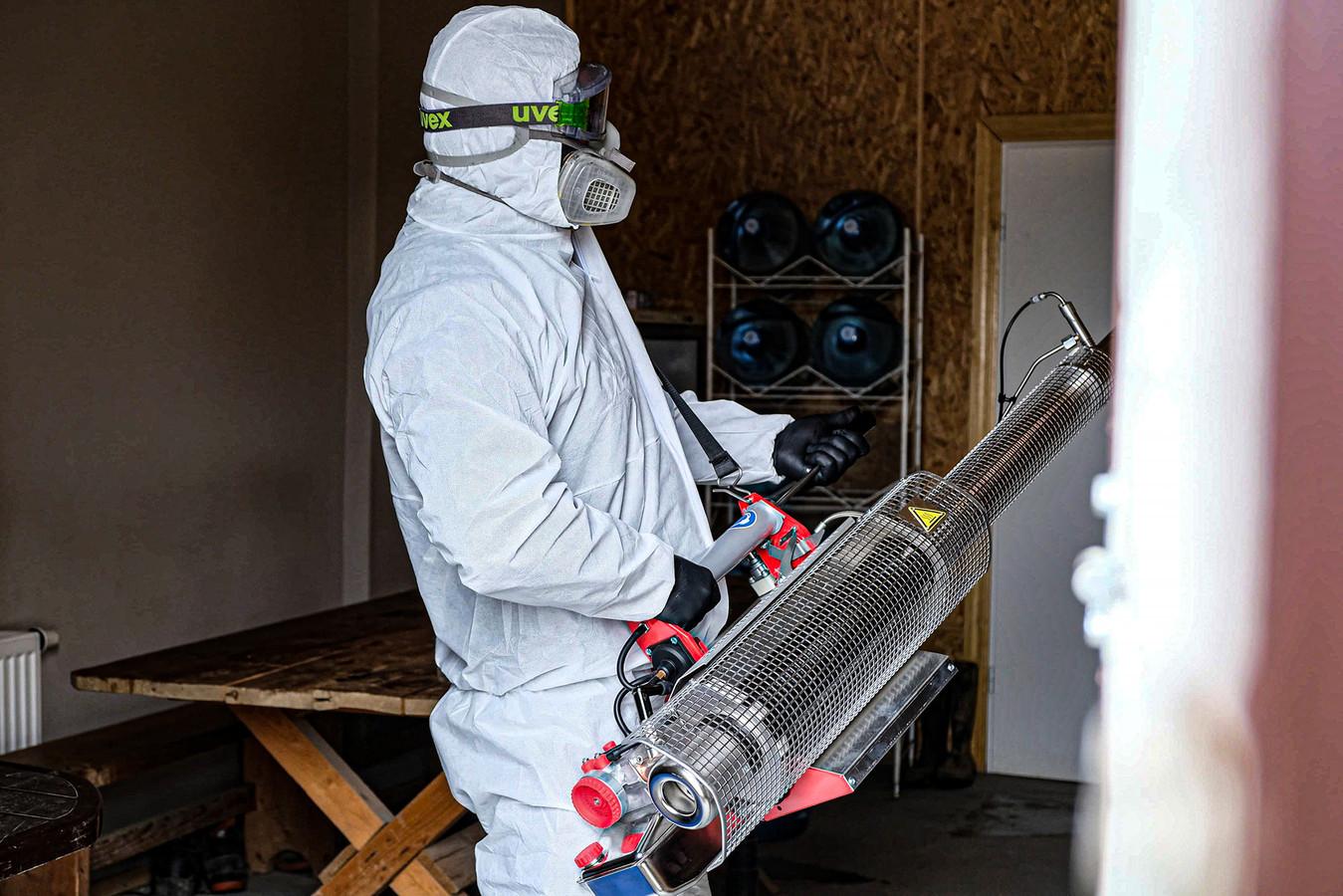 Patalpų dezinfekcija profesionalias rūko generatoriais.