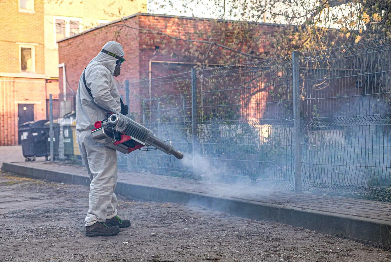Veiksmingiausias ir greičiausias būdas dezinfekoti ? patalpas ir atviras erdves nuo mikroorganizmų, vabzdžių, grybelių ir kitų kenkėjų - yra karštas rūkas ? ??
