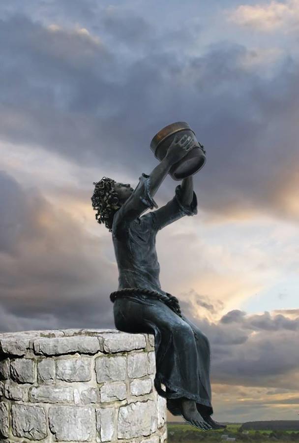 juodo metalo skulptūra, aut.: Vytautas Slavinskas