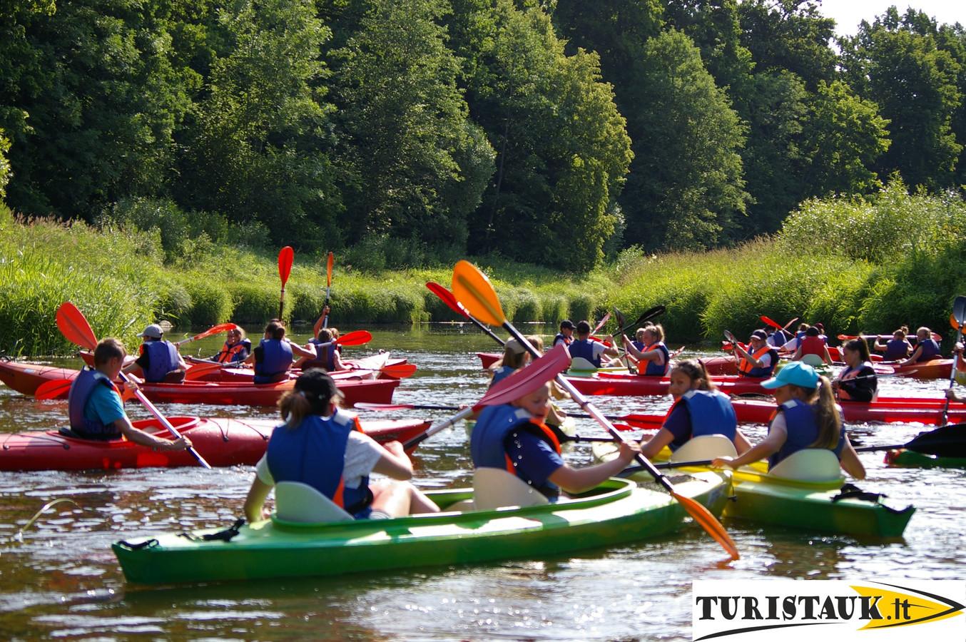 Baidarių nuoma Jūros upe moksleivių, studentų kompanijoms.