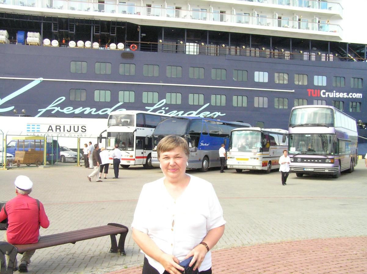 Pasitinku kruizinį laivą Klaipėdoje.Svečiai iš Indonezijos.