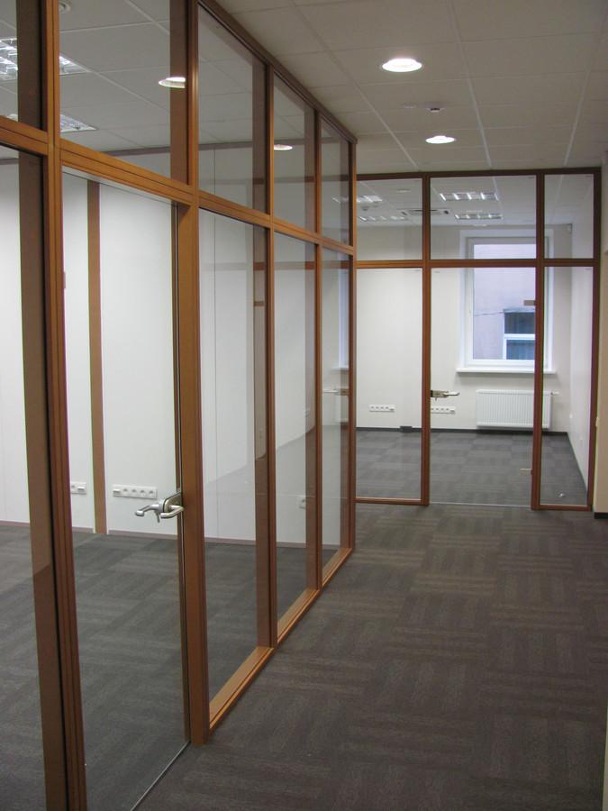 Biuro patalpų apšvietimo įrengimas.