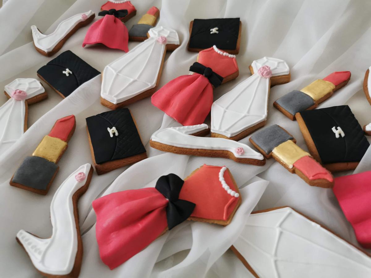 Įvairios tematikos dekoruoti sausainiai
