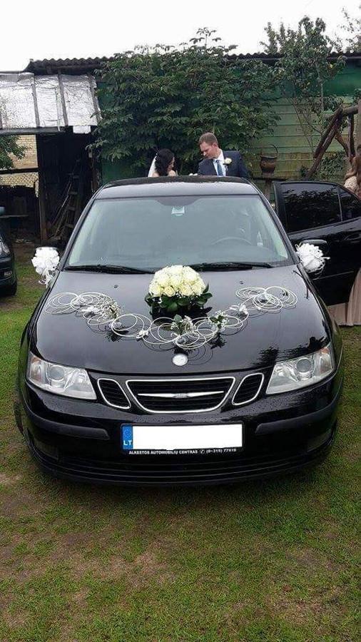 Automobilio puošimas gyvomis gėlėmis