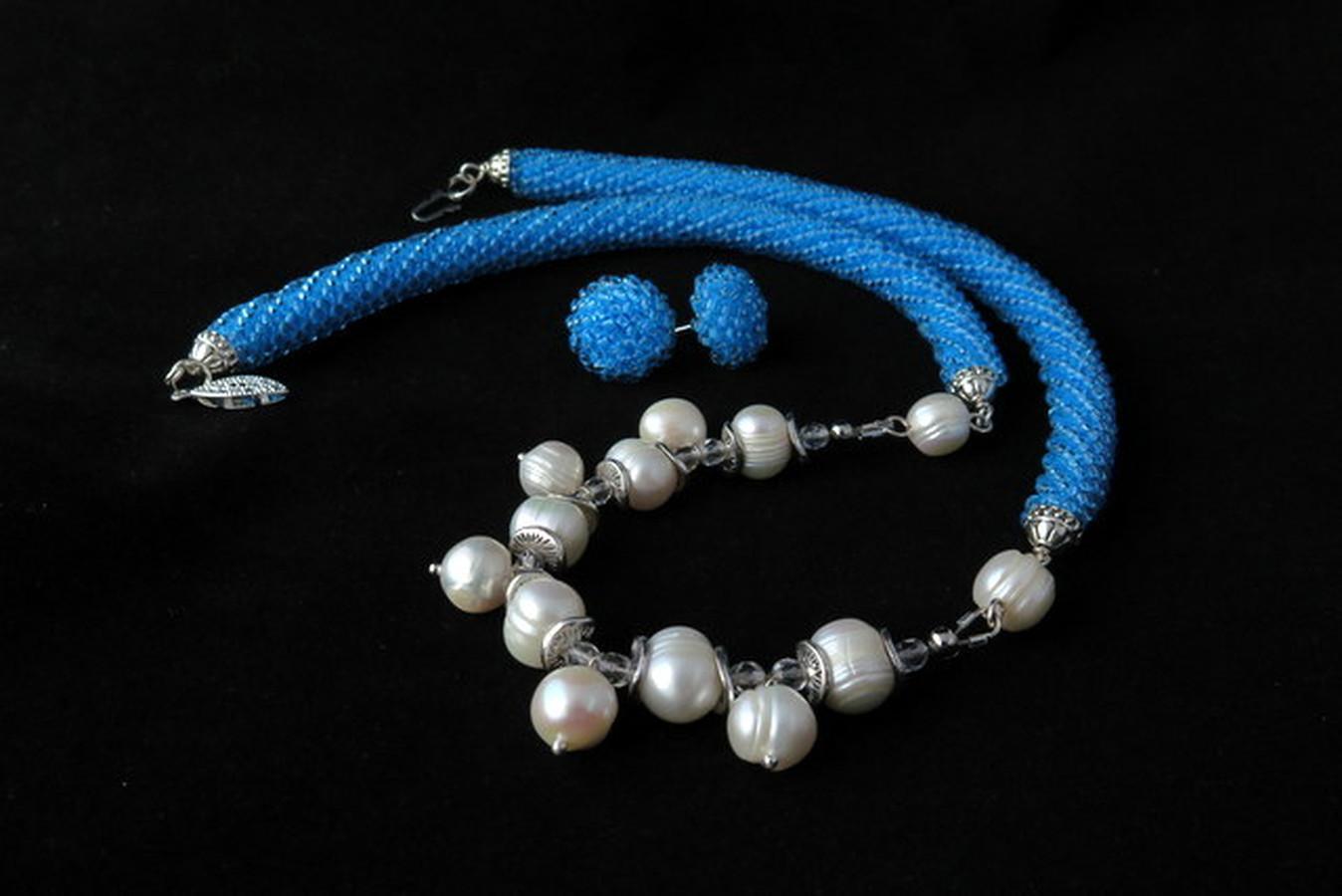 "Kaklo papuošalas su gėlavandeniais perlais ir auskarai ""Gervuogėlės"""